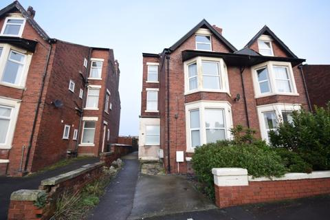 1 bedroom ground floor flat to rent - St Andrews Road South, St Annes, FY8