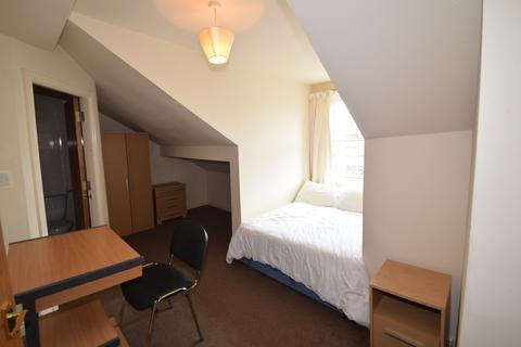 6 bedroom terraced house to rent - Ecclesall Road, STUDENT HOUSE, RENT INCLUDES BILLS Sheffield S11 8PX