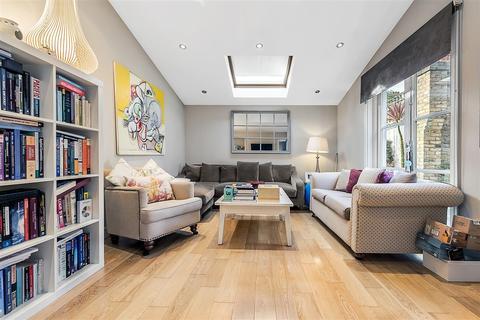 2 bedroom flat to rent - Hambalt Road, SW4
