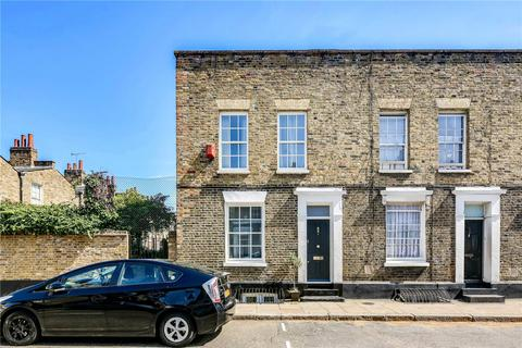 4 bedroom end of terrace house to rent - Barnes Street, Limehouse, London, E14