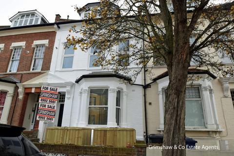 2 bedroom flat for sale - Birkbeck Road, Acton, London