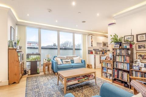 2 bedroom flat for sale - Merton Road, Southfields
