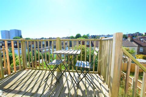 4 bedroom terraced house to rent - Dudley Road, , Brighton, BN1 7GN