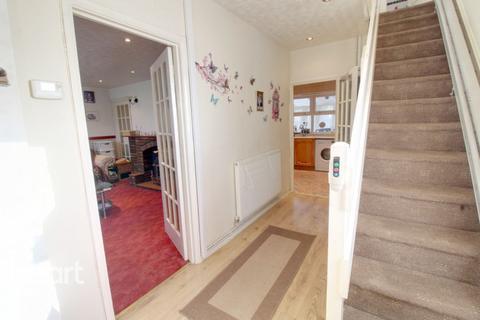 3 bedroom semi-detached house - Holloway Road, Alvaston