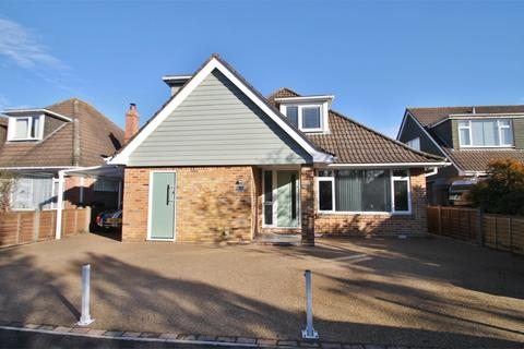 4 bedroom chalet for sale - With potential annexe accommodation in Ashurst, Hampshire