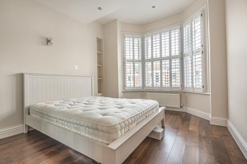 2 bedroom flat to rent - Hambalt Road London SW4