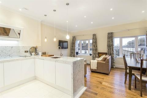 2 bedroom flat to rent - Balmoral Court, Rotherhithe Street, LONDON