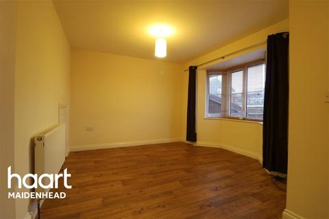 2 bedroom semi-detached house to rent - Furze Platt Road