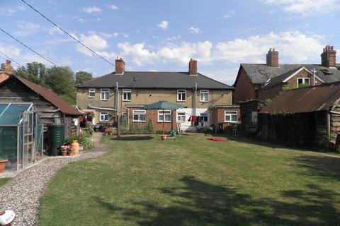 2 bedroom cottage to rent - Steventon