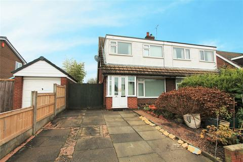 3 bedroom bungalow for sale - Greenfields Avenue, Shavington, Crewe, Cheshire, CW2