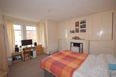 4 bedroom semi-detached house to rent - Hankinson Road, Winton