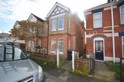 4 bedroom semi-detached house to rent - Hankinson Road, Winton