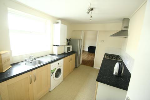 3 bedroom flat to rent - 60pppw - Mowbray Street, Heaton, NE6