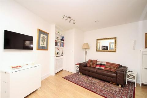 1 bedroom apartment to rent - The Coach House, East Street