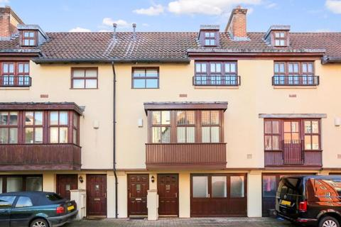 4 bedroom terraced house for sale - Bear Yard Mews, Hotwells