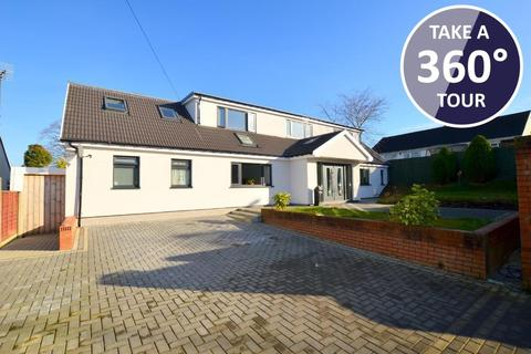 4 bedroom detached house for sale - Icknield Way, Warden Hills, Luton, Bedfordshire, LU3 2BX
