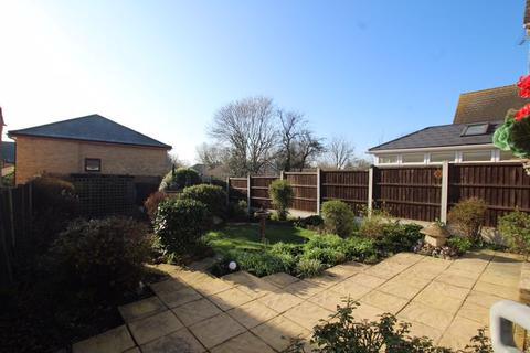 2 bedroom detached bungalow for sale - Brayers Mews, Rochford