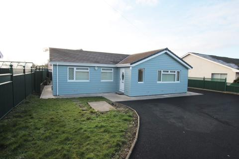 3 bedroom bungalow for sale - Henfynyw, Aberaeron, SA46