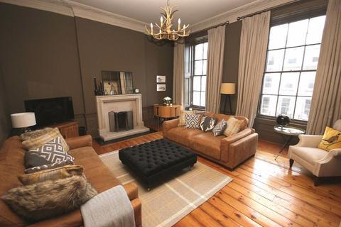 3 bedroom flat to rent - Atholl Place, Edinburgh