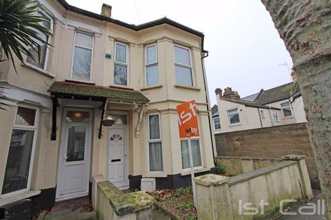 1 bedroom house share to rent - St Anns Road, Southend On Sea, Essex