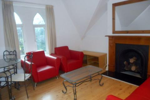 1 bedroom flat to rent - Ninian Road, Roath ( 1 Bed ) T/F Front