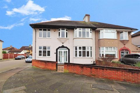 6 bedroom semi-detached house for sale - Chessington Avenue, Bexleyheath