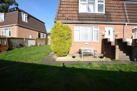 3 bedroom end of terrace house for sale - Tennyson Road, Barry
