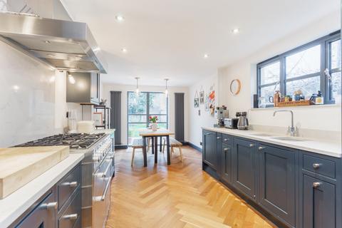 3 bedroom terraced house for sale - St Stephens Road, E3