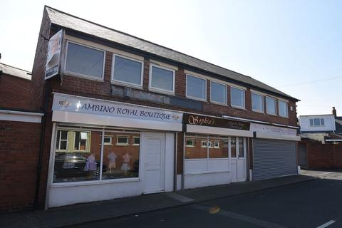 Retail property (high street) to rent - Moray Street, Fulwell