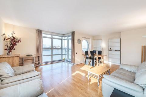 3 bedroom apartment to rent - Cuba Street, London, E14