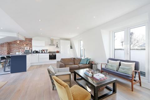 3 bedroom flat to rent - Clarendon Road, London