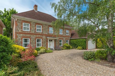 5 bedroom detached house to rent - St. Huberts Close, Gerrards Cross, Buckinghamshire