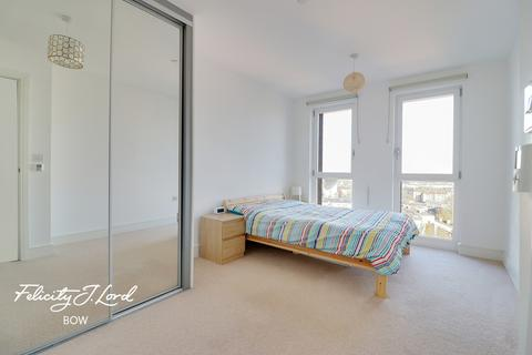 3 bedroom flat for sale - Hannaford Walk, London