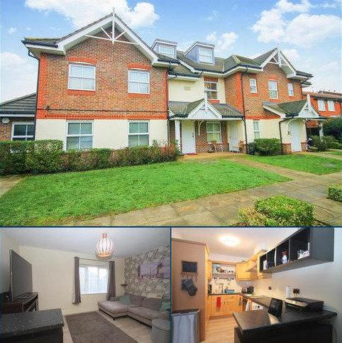 1 bedroom flat for sale - Bishops Drive, Feltham, TW14