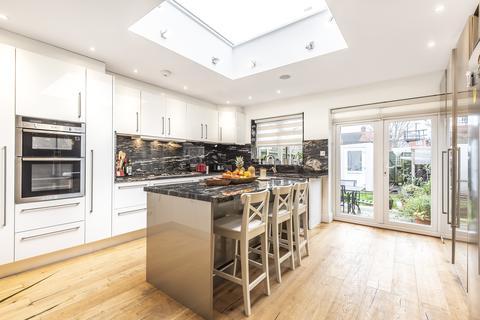 4 bedroom terraced house for sale - Chatsworth Drive EN1