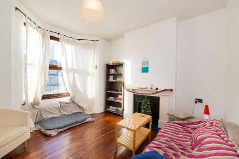 4 bedroom end of terrace house to rent - Abbott Road, Poplar, London, E14