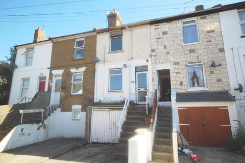 3 bedroom terraced house to rent - Constitution Road, Chatham, ME5