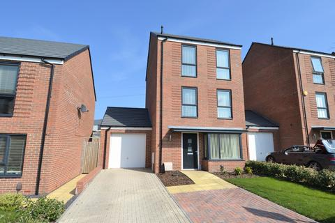 4 bedroom detached house for sale - Topland Grove, Northfield, Birmingham, B31