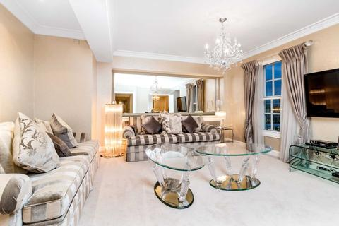 3 bedroom apartment to rent - Park Street, Mayfair, W1