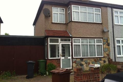 3 bedroom house to rent - Albert Road, Dagenham, RM8