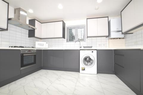 3 bedroom flat to rent - Oakdale Road, LONDON, SW16