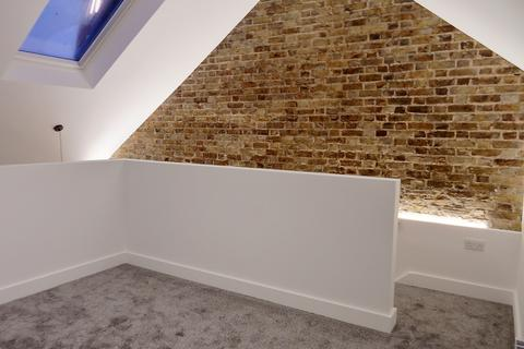 1 bedroom duplex to rent - R/O 53 High Street, Wickford SS12