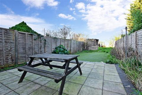 4 bedroom terraced house for sale - Sinclair Road, Chingford