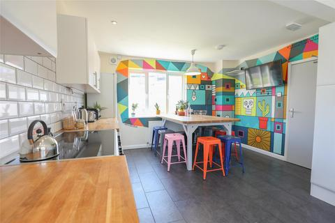 6 bedroom property to rent - Meare Road, Bath, BA2 5PP