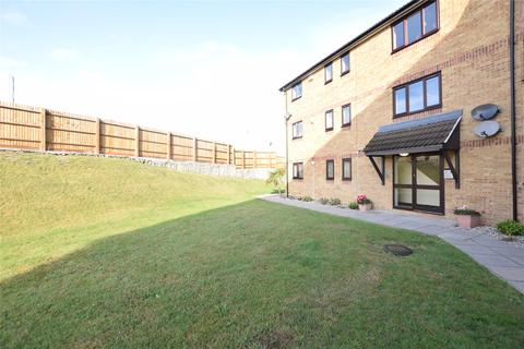 2 bedroom flat for sale - Messant Close, Harold Wood, ROMFORD, RM3 0WP