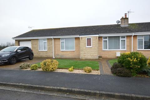 3 bedroom semi-detached bungalow for sale - Savernake Avenue , Melksham