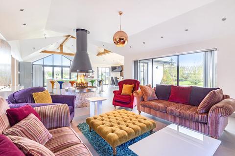 5 bedroom bungalow for sale - Brook End, Hatch, SG19
