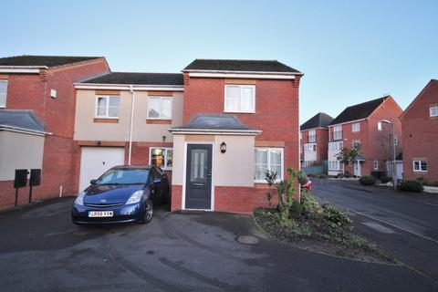 3 bedroom semi-detached house for sale - Clover Way