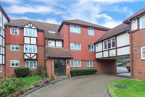 2 bedroom apartment for sale - Sandringham Court, Priory Field Drive, Edgware, HA8