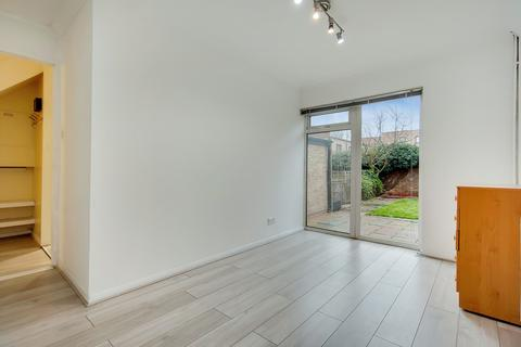 3 bedroom terraced house to rent - Tyas Road, Canning Town, E16